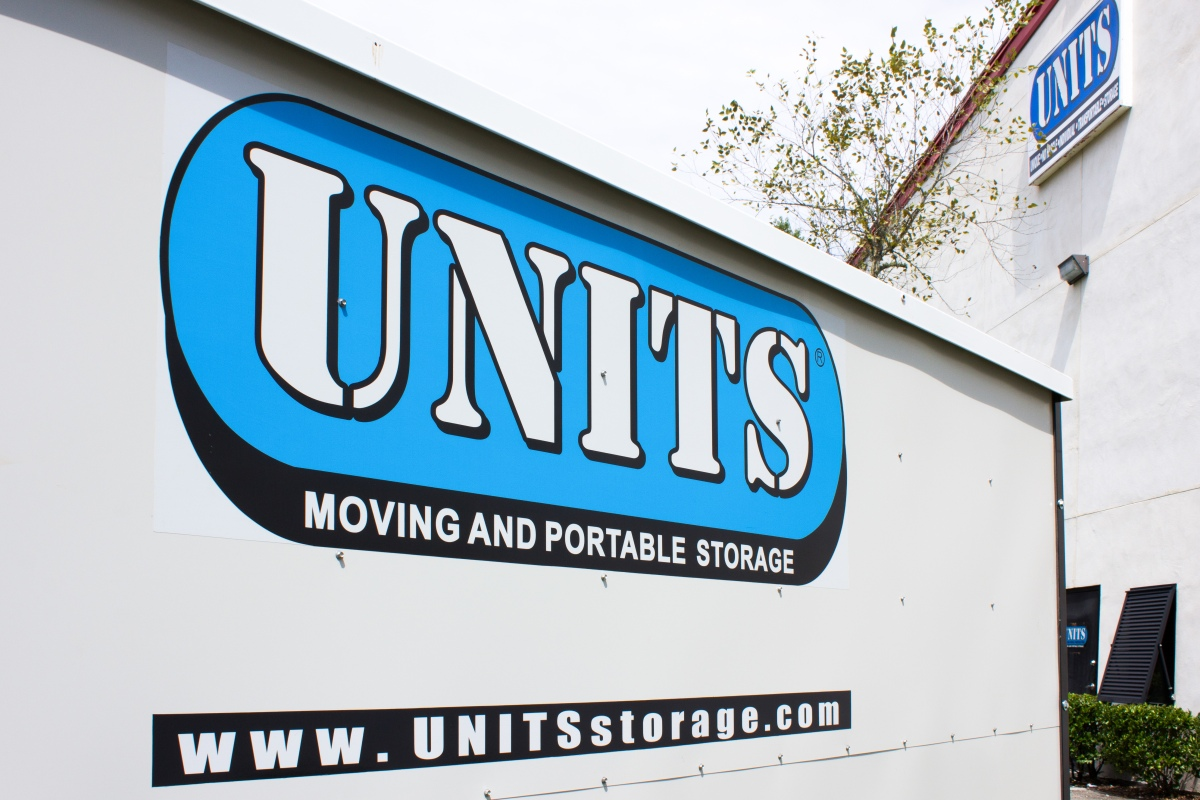 Details: Rent a moving truck or other moving equipment, including a car carrier trailer, car dolly, furniture pads and hand truck with Budget Truck Rental, plus check out .